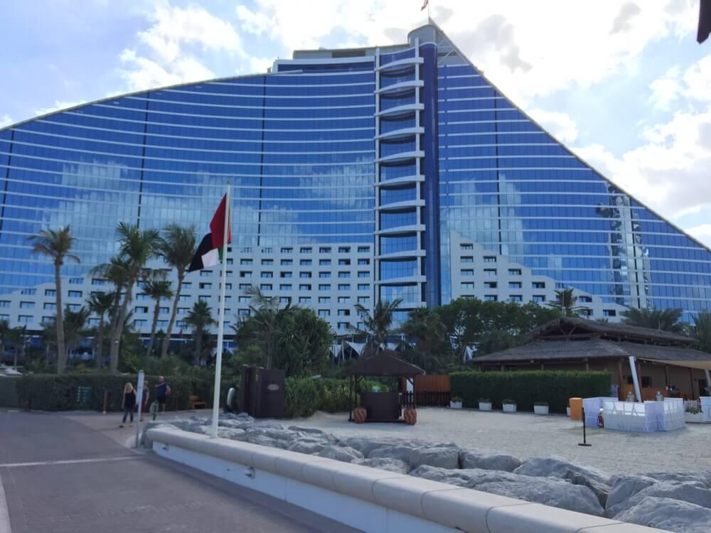 ドバイホテル滞在記:ジュメイラ・ビーチ・ホテル(その①)