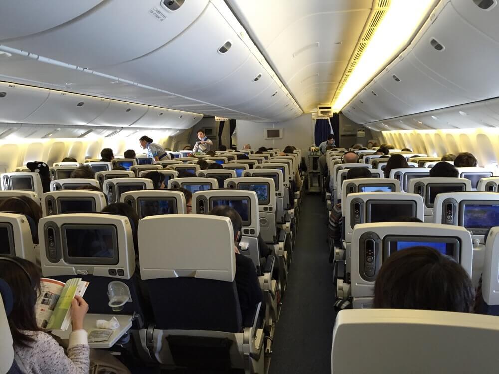 機内のオススメ座席はココ!長距離フライトでも快適に過ごす座席の選び方!!