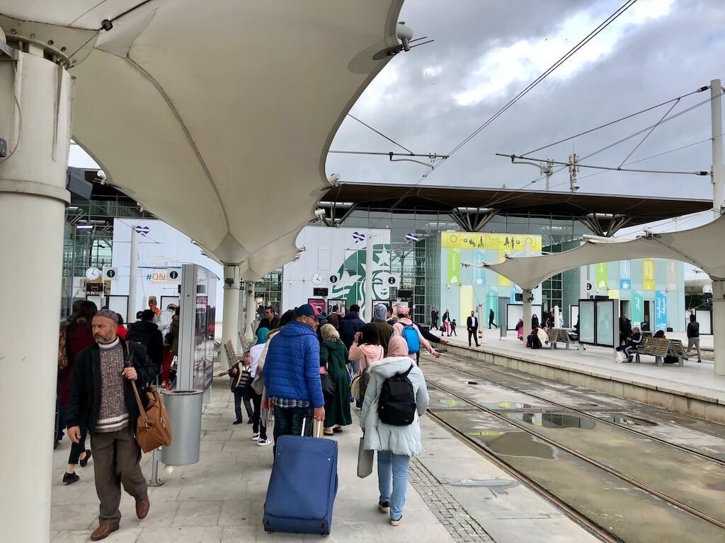 カサブランカ市内からムハンマド5世国際空港(CMN)まで電車で行く時のたった1つの注意点とは?